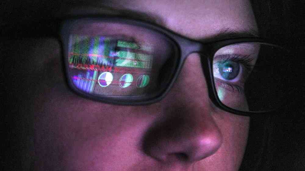 woman in darknet